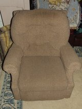 Lazy Boy Recliner ~ Very Comfortable ~ GC in Wheaton, Illinois