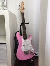 Squier Mini Strat PINK in Joliet, Illinois