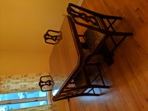 Dining table w/chairs in Wilmington, North Carolina