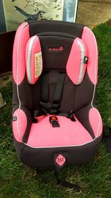 CAR SEAT Safety First Pink/Black in Chicago, Illinois
