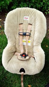 BRITAX Baby/Toddler CAR SEAT Beige Fwd/Rear facing in Naperville, Illinois
