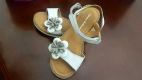 Hannah Anderson Girls Sandals like new in Naperville, Illinois