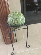 Plant stand with decorative orb in bookoo, US