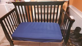 Crib/toddler bed with mattress in bookoo, US