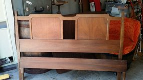 Bed - Head and Foot Board in Glendale Heights, Illinois