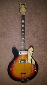 Vintage Maxitone Bruno electric guitar 335 in Fort Leonard Wood, Missouri