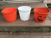 Various Plastic planters in St. Charles, Illinois