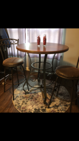 Pub Table & stools in Batavia, Illinois