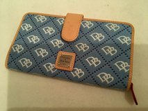 dooney and bourke large wallet in Ramstein, Germany