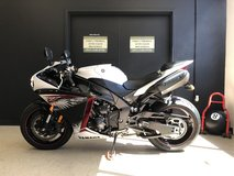 2012 YAMAHA YZF-R1 (WHITE/RED) EDITION UNLEADED GAS in Fort Campbell, Kentucky