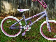 Huffy girl's 20 inch in Camp Lejeune, North Carolina