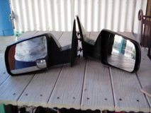 Side mirrors from 2007 Toyota Tundra in Alamogordo, New Mexico
