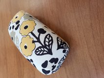 Vera Bradley Sunglasses Case in Fort Campbell, Kentucky