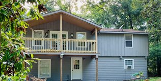 Lease in Huffman Multi family {Upstairs Unit} in Kingwood, Texas