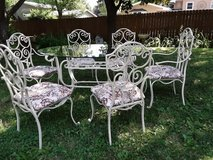 beautiful patio set in St. Charles, Illinois