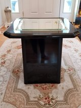 Mirrored Table Great For Living/Family/Dorm/Bedroom Use in Plainfield, Illinois