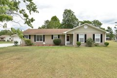 3 bedrooms with 2 BONUS rooms!! in Camp Lejeune, North Carolina
