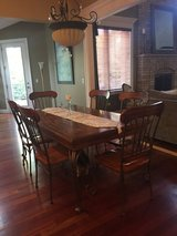 Dinette table & 6 chairs in Naperville, Illinois