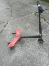 Kids 3 wheel razor scooter in Houston, Texas