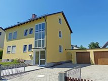 FOR RENT: Nice single standing home with new three bathrooms and double garage in Grafenwoehr, GE
