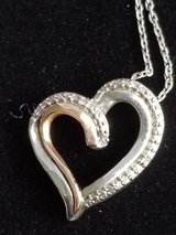 Rose gold necklace in Fort Campbell, Kentucky
