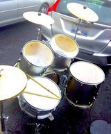 $180 FULL complete drumset w/EXTRA cymbals/seat etc. in Joliet, Illinois