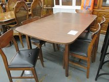 MCM Formica Topped Table and 6 Chairs in Westmont, Illinois