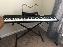 Electric keyboard W/Stand in Byron, Georgia