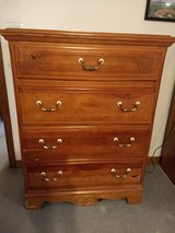 Dresser - 4 drawer chest in Westmont, Illinois