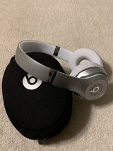beats3 solo wireless with case in Fort Leonard Wood, Missouri