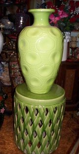 Large Green Colored  Vase With Matching Pedestal Stand in Alamogordo, New Mexico