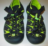 Keen Boys Sz 4  Kayaking Athletic Water Sandals in Fort Campbell, Kentucky