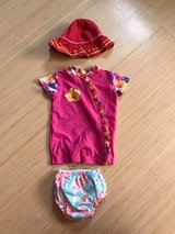 Girls pool outfit size 6 month in Alamogordo, New Mexico