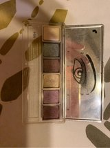 Clinique eye shadow used in Okinawa, Japan