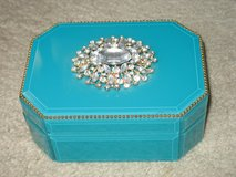 Jewelry box in Westmont, Illinois