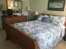 Queen Bedroom Set in Westmont, Illinois