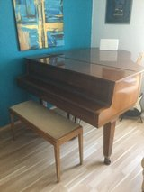 Yamaha Piano Baby Grand rare in Ramstein, Germany