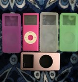 iPod Nano 800+ songs plus 4 cases in Travis AFB, California