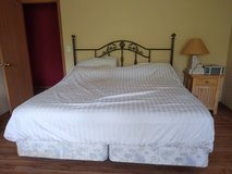 California King Size Bed for Sale in St. Charles, Illinois