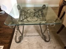 Coffee table and 2 end tables in Naperville, Illinois