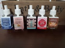 bath and body works wallflower refill lot 2 in Fort Campbell, Kentucky