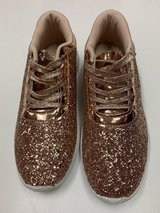 ***BRAND NEW***Women's Gold Glitter Sneakers***SZ 8.5 in Cleveland, Texas