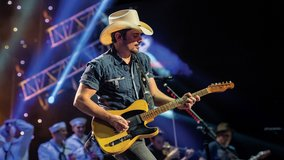 Brad Paisley tickets in Aurora, Illinois