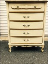 Pretty French Provincial vintage dresser. in Fort Belvoir, Virginia