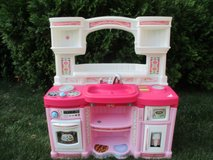 Step2 Play Kitchen in Bolingbrook, Illinois