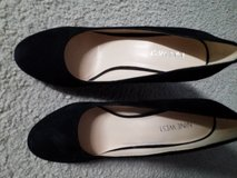 Womens Pumps New size 7 1/2 M 4 1/2 inch heel! Local only in Naperville, Illinois