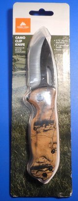 (# 15) Ozark Trail Camo Clip Knife (New) in The Woodlands, Texas