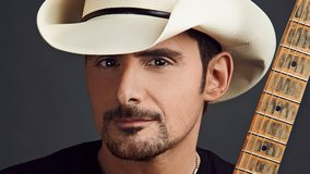 Brad Paisley in Chicago, Illinois