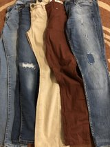Young Women Jeans 5 pair in Ramstein, Germany
