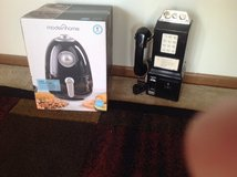 Air Fryer and Phone in Chicago, Illinois
